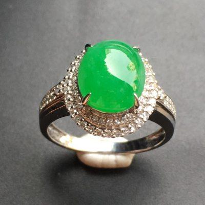 阳绿蛋面 翡翠戒指 裸石尺寸:10.1*8.4*3.3