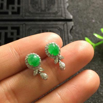 阳绿 翡翠耳钉 尺寸12.8*6.9*6.1/5.7*5.0*4.2mm