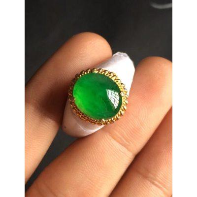高冰阳绿戒面 翡翠戒指 尺寸12*10.1*3.8mm